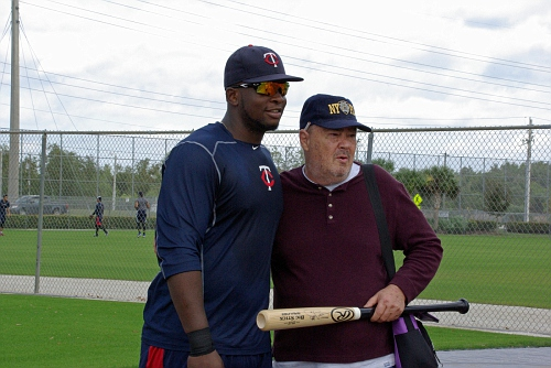 IMGP9462 - Miguel Sano with a fan